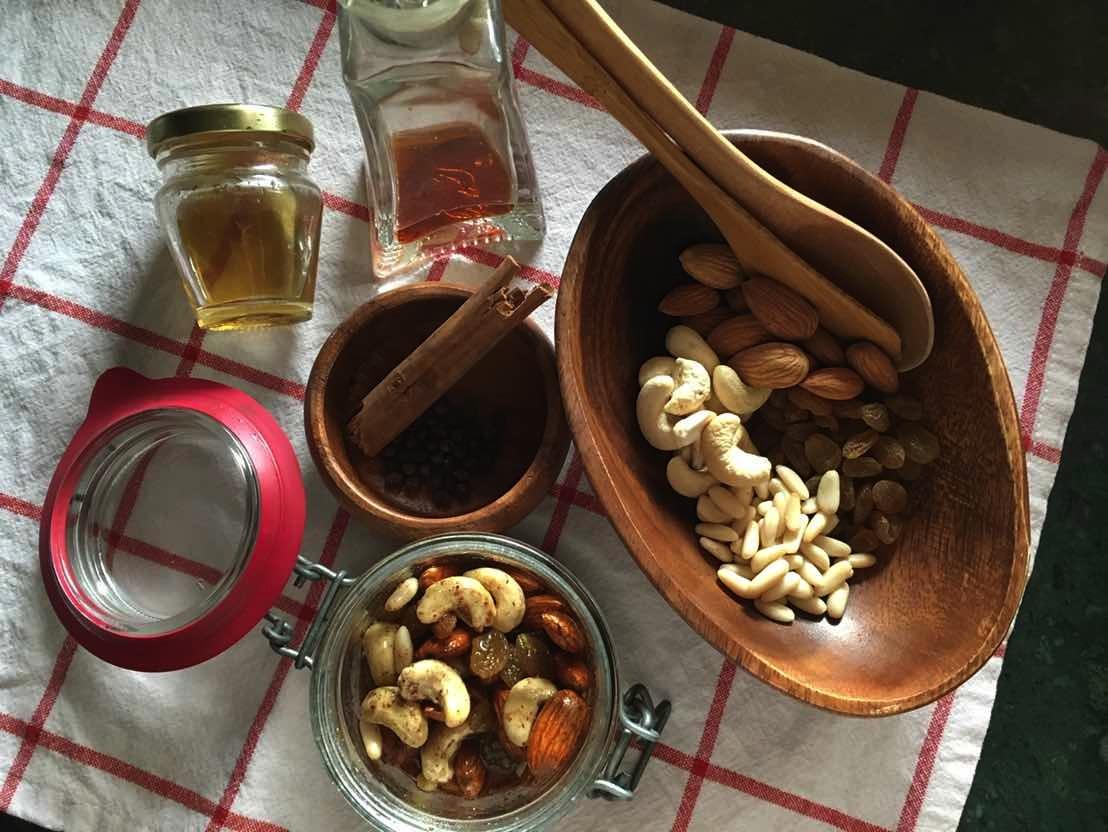 honeyandnuts_01